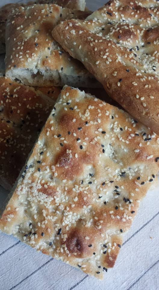 This image has an empty alt attribute; its file name is Alyas-naan-barbari-1.jpg